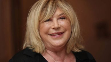 Photo of Singer Marianne Faithfull Test Positive For Coronavirus